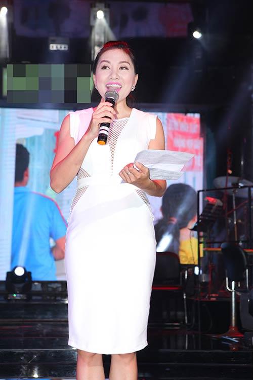 le thi phuong do ruc den chuc mung nguyen lam - 11