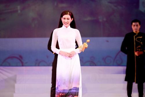 """tran thanh mac vay dieu thuyen khong """"don"""" nguc - 12"""