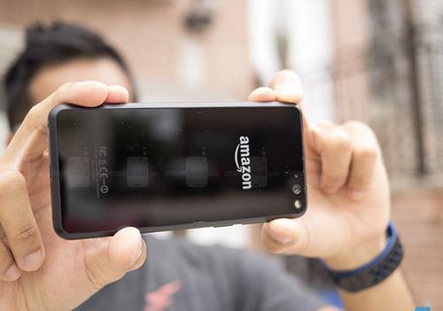 11 smartphone dac biet nhat tren thi truong hien nay - 7