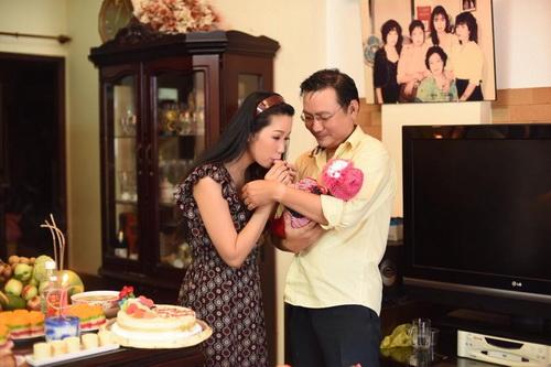 vo chong trinh kim chi khoe con gai 1 thang tuoi - 9