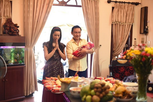 vo chong trinh kim chi khoe con gai 1 thang tuoi - 3