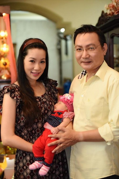 vo chong trinh kim chi khoe con gai 1 thang tuoi - 11