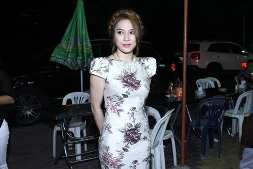 my tam bien sac vi fan khong co cho ngoi - 3