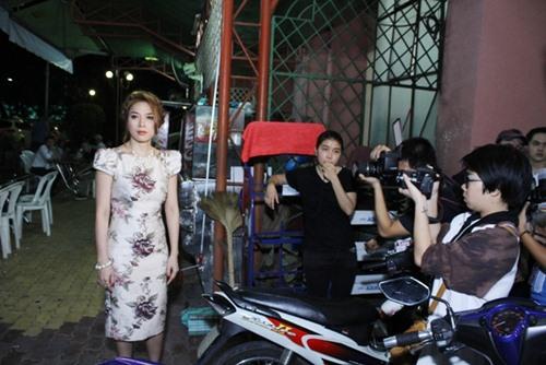my tam bien sac vi fan khong co cho ngoi - 6
