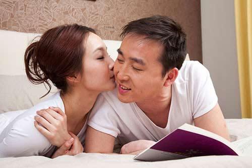 11 dieu ban dung bao gio lam truoc mat chong - 1