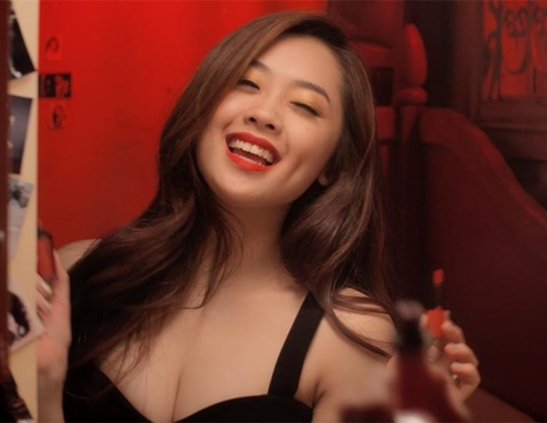 hot girl vietnam idol 2015 khoe ve quyen ru trong mv moi - 9