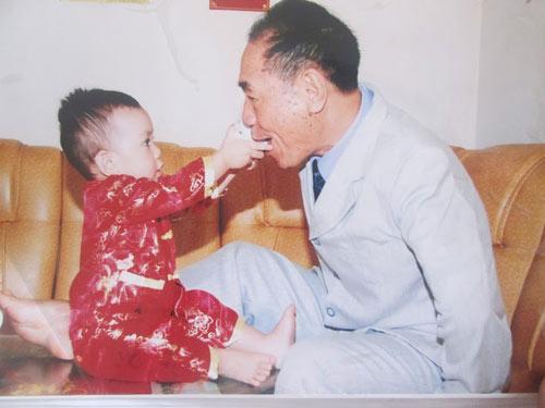 Thầy Nguyễn Ngọc Ký chia sẻ bí quyết để có gia đình hạnh phúc-2