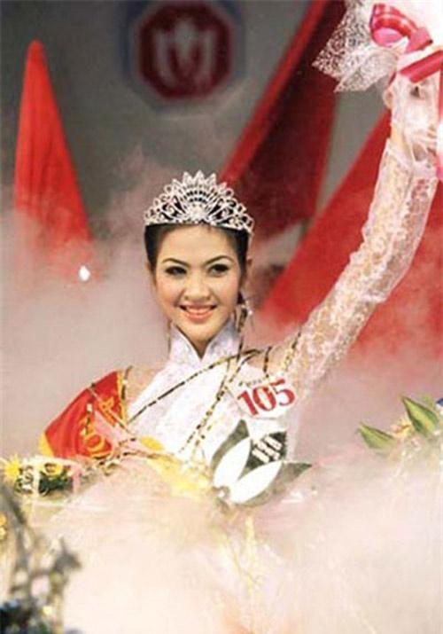 """nhung hoa hau viet song """"an dat"""" vi scandal - 5"""