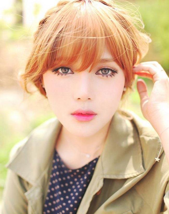 Park Hye Min (hay còn gọi là Pony) không chỉ sở hữu vẻ đẹp ngọt ngào đậm nét Châu Á, hot girl nổi tiếng này còn có kĩ năng trang điểm như 'phù thuỷ'.