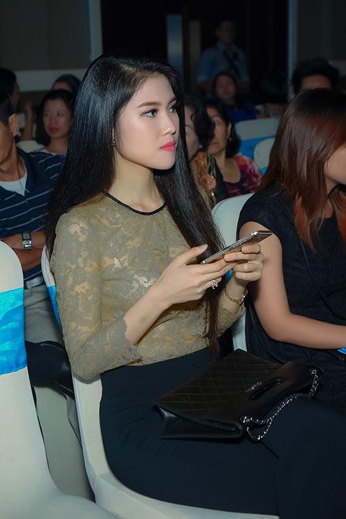 """a hau thai nhu ngoc sanh dieu """"dung hang"""" sao ngoai - 10"""