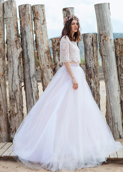 Kiểu váy cưới thú vị mọi cô dâu nên thử năm 2015 - 11
