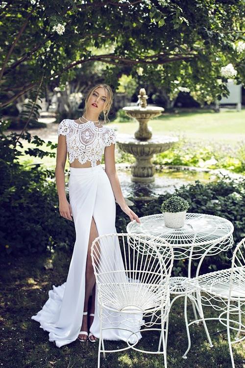 Kiểu váy cưới thú vị mọi cô dâu nên thử năm 2015 - 6
