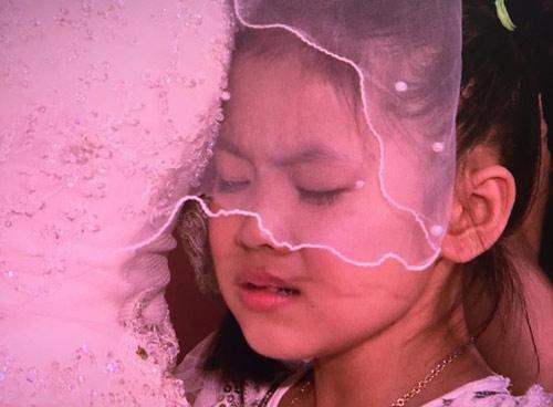 nghen ngao hon le cua doi vo chong 10 nam khong cuoi - 9