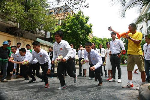 Cận cảnh màn chạy tập thể của 100 cô dâu chú rể-2