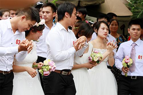 Cận cảnh màn chạy tập thể của 100 cô dâu chú rể-1