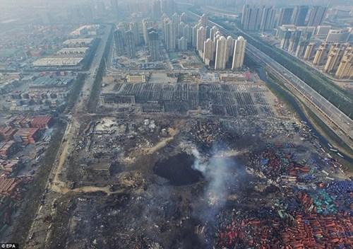 Thảm họa Thiên Tân: Hố đen khổng lồ xuất hiện-2