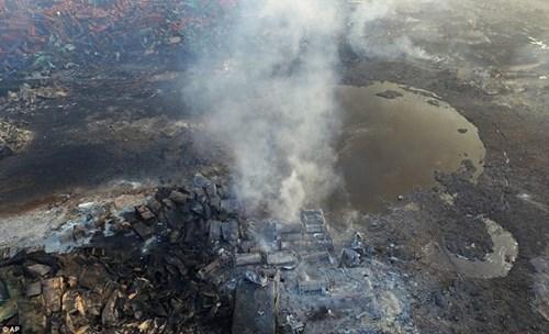 Thảm họa Thiên Tân: Hố đen khổng lồ xuất hiện-3