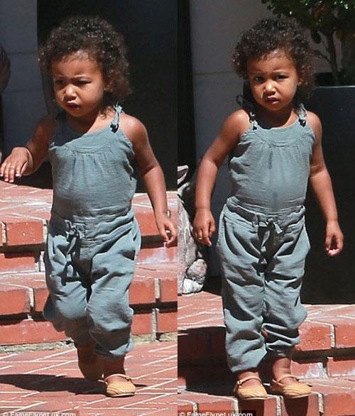 Kim Kardashian khoe thân hình đẫy đà với váy mỏng bó sát-5