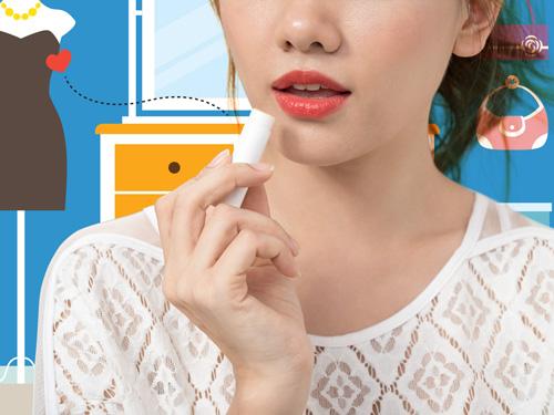 Lục túi của hot girl Hàn nổi tiếng nhất ở Việt Nam-5