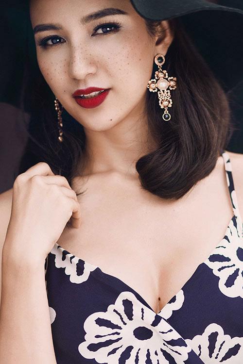 Ngỡ ngàng với vẻ trẻ trung hơn tuổi của Việt Hương ngoài đời-3