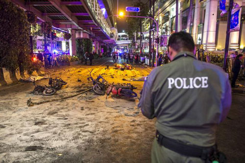 Trung tâm Bangkok tan tác sau vụ nổ bom đẫm máu-3