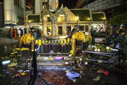 Trung tâm Bangkok tan tác sau vụ nổ bom đẫm máu-4
