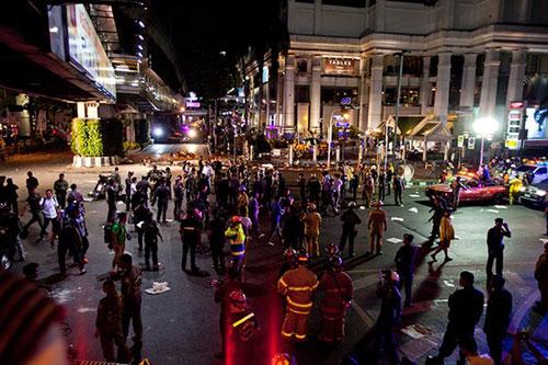 Trung tâm Bangkok tan tác sau vụ nổ bom đẫm máu-1