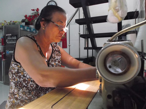 Người phụ nữ 10 năm chăm lo cho người dưng-2