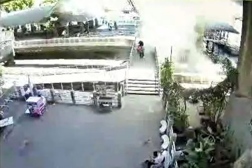 Bangkok lại rúng động vì vụ nổ bom thứ hai-1