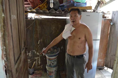 Nắng nóng 38 độ C, người HN phải đi tắm nhờ vì mất nước-3