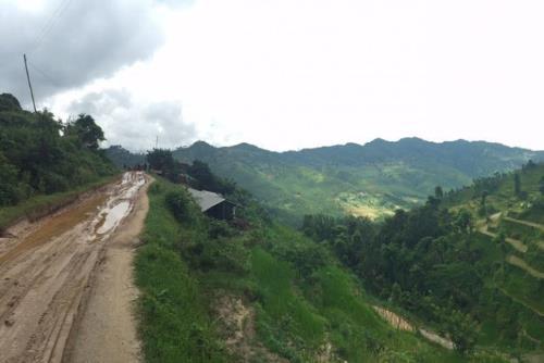 Sau 3 tháng động đất, người dân Nepal vẫn màn trời chiếu đất-3