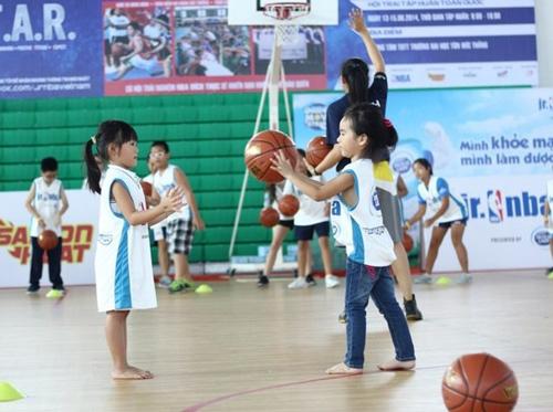 """6 mon the thao tang chieu cao """"vun vut"""" cho tre - 2"""
