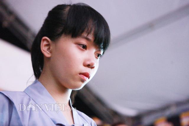 """anh: cam dong nghi le """"bong hong cai ao"""" bao hieu mua vu lan - 5"""