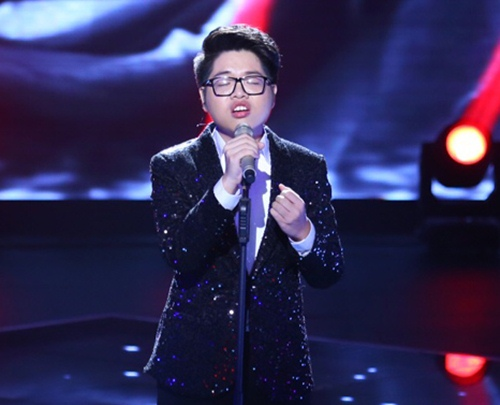 "the voice 2015: mr dam loai co gai ""vua an keo vua hat"" - 11"