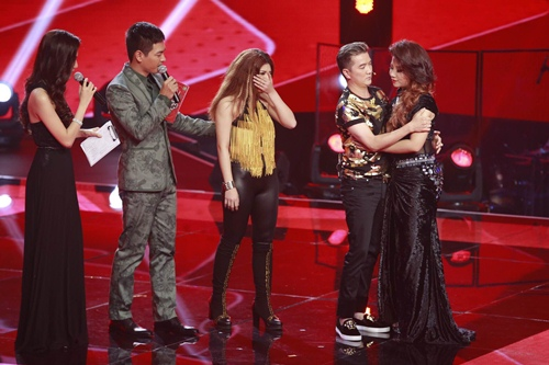"the voice 2015: mr dam loai co gai ""vua an keo vua hat"" - 1"