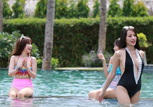 si thanh dien bikini duoi nang nong 38 do - 5