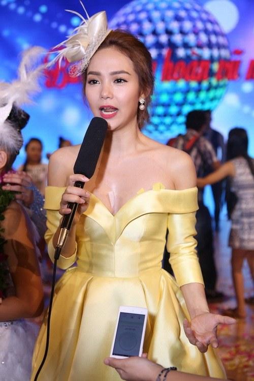 """minh hang khong ngai bi nghi se """"cam cuong"""" ban trai - 2"""