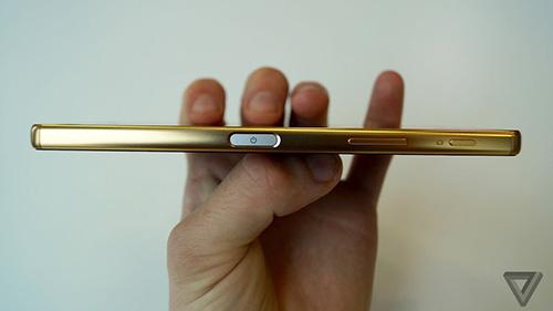 """Cận cảnh Sony Xperia Z5 Premium: """"dế"""" màn hình 4K đầu tiên trên thế giới-3"""