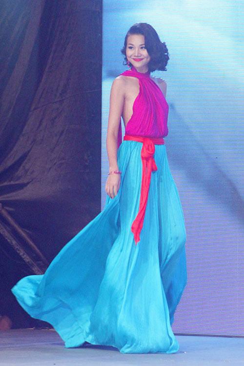 Sao Việt cách tân trang phục truyền thống đẹp và khéo-10