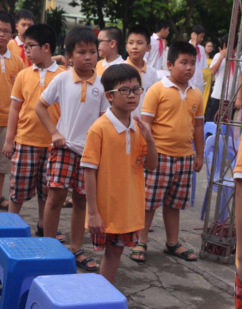 Học sinh cả nước nô nức khai giảng năm học mới-9
