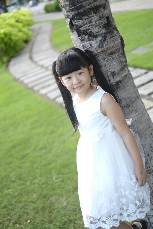 Bình Minh thay vợ đưa con gái đi khai giảng-8