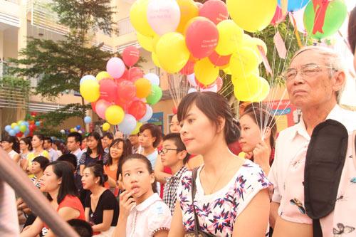 Học sinh cả nước nô nức khai giảng năm học mới-16