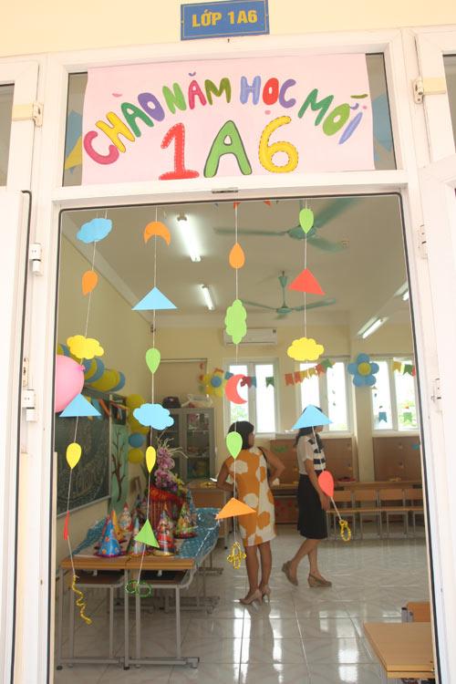 Học sinh cả nước nô nức khai giảng năm học mới-17