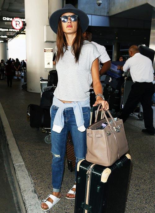 Sao Việt diện thời trang sân bay quá điệu và kiểu cách - 18