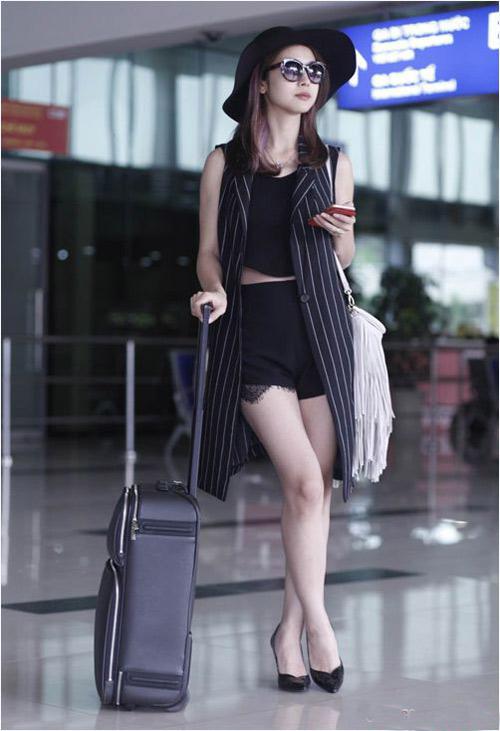 Sao Việt diện thời trang sân bay quá điệu và kiểu cách - 1