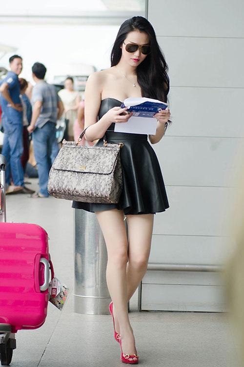 Sao Việt diện thời trang sân bay quá điệu và kiểu cách - 6