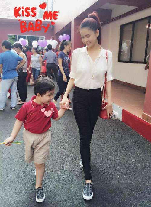 Chồng Đoan Trang chăm sóc con gái chu đáo-5