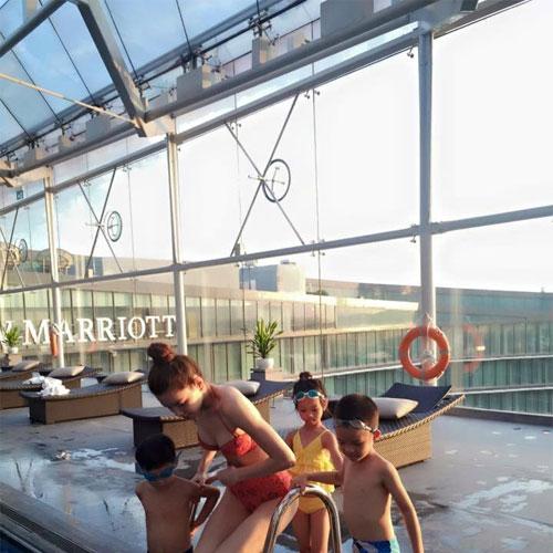 Hà Hồ đi bơi cùng con trai trong ngày nghỉ cuối tuần-4