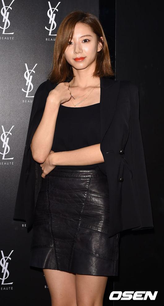 Vợ Bae Yong Joon sang trọng, quý phái ngày tái xuất-1
