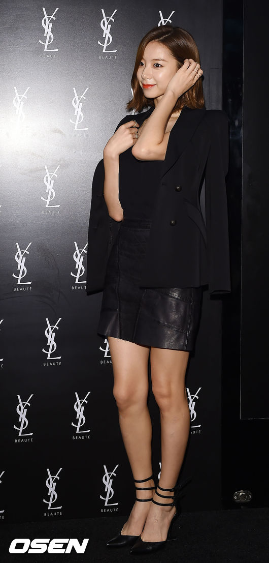 Vợ Bae Yong Joon sang trọng, quý phái ngày tái xuất-2